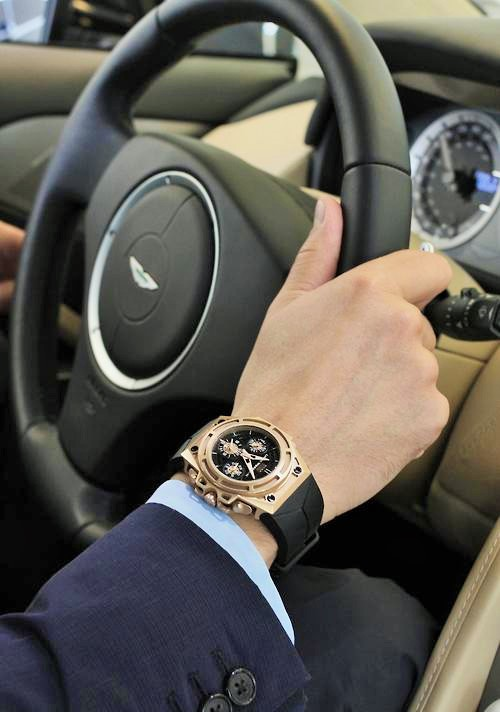 Buy a watch that is versatile enough for any outfit or situation.