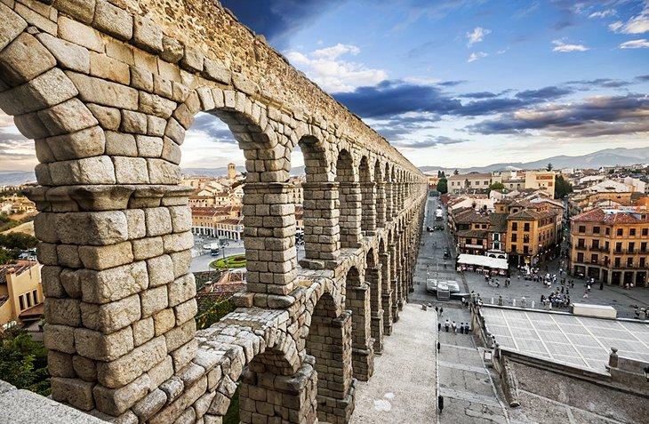 roman-aqueduct-0